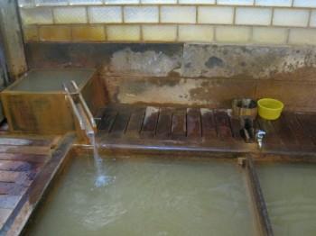 渋温泉 九番湯(大湯)の仕組み