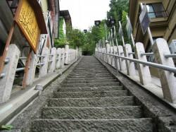 渋高薬師の階段